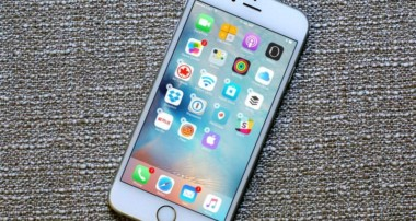 The Key Differences Between Android Phones and iPhones