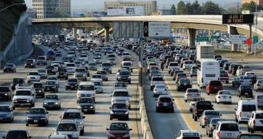 4 Ways to Ease Traffic on a Busy Street